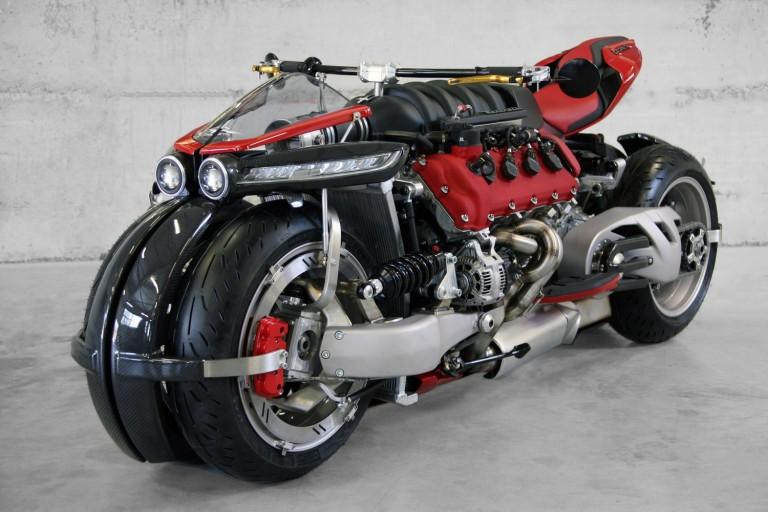 LM 847 – Lazareth V8 4700cc