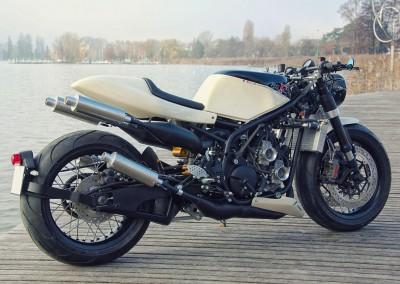 suzuki-rg400-3